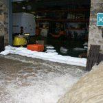 Entreprise protége au sec garce a floodsax sac de sable moderne barriere inondations