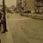 Floodsax face à la marée montante submersion marine sacs de sables modernes floodsax